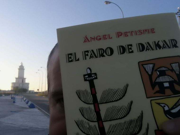 Mundo asépico. Andel Petisme desde el faro de Llobregat