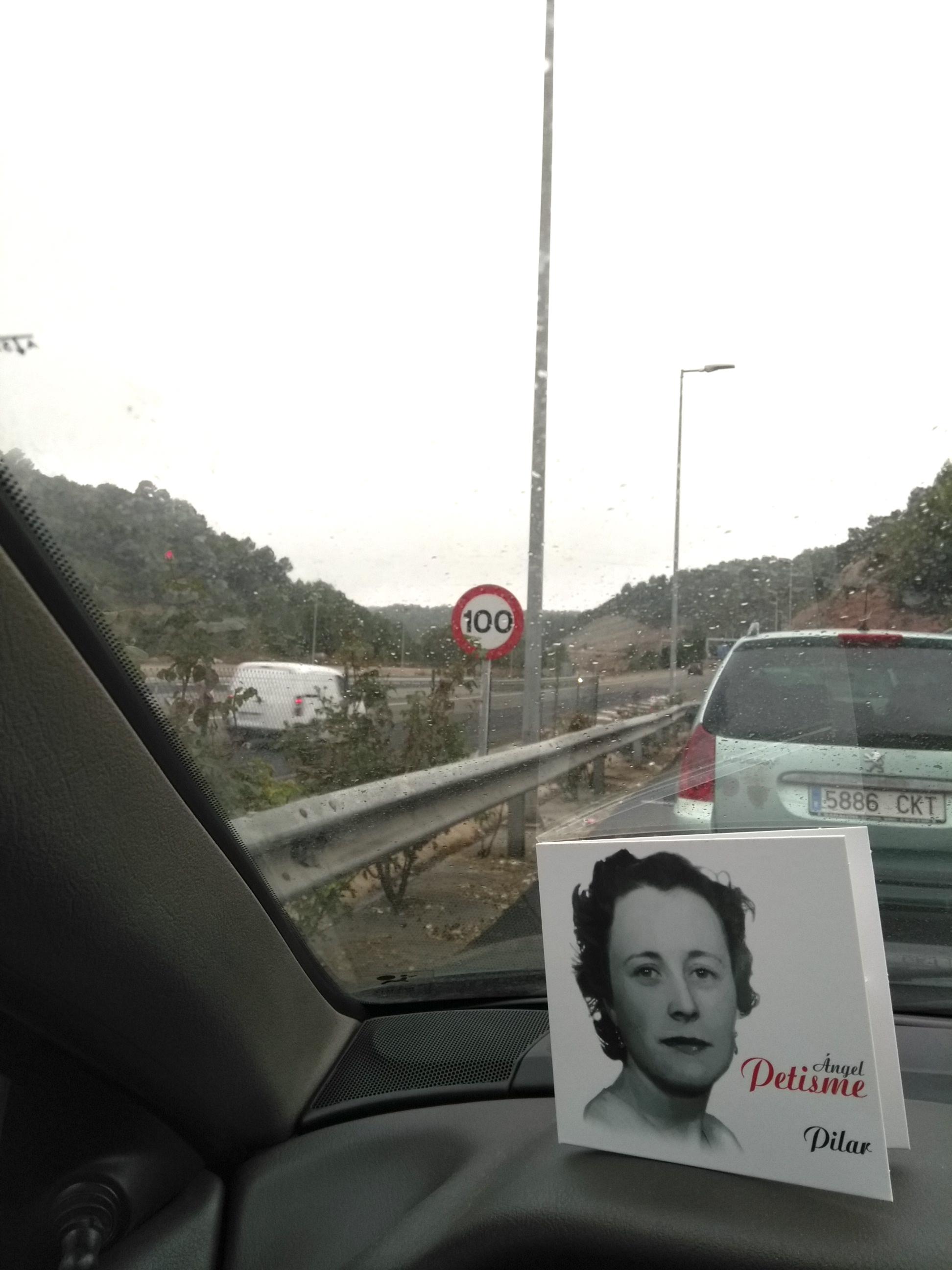 FRAN J. GARCÍA (barcelona)El día de(l) Pilar, no donde muere la carretera sino donde renace con cada paso como nos sugirió el poeta, con la vista adelante y el corazón en los recuerdos.jpg