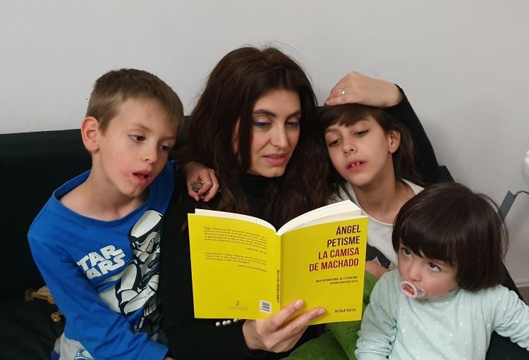 Marta Domínguesz. Zaragoza Nuestros hijos e hijas, nos habrán de recordar junto a ellos y ellas en torno a un buen libro.jpg