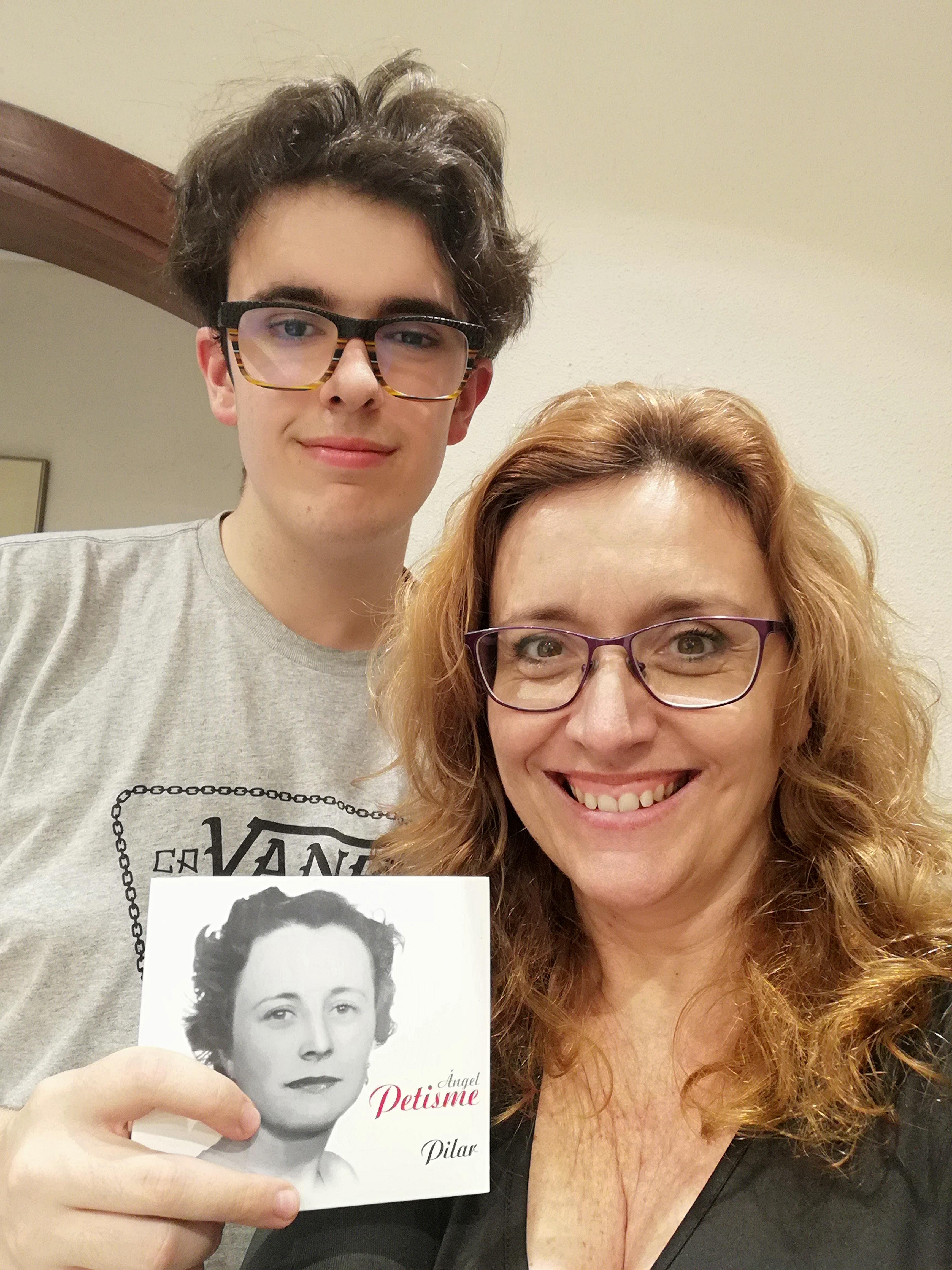 MERCHE GARCINUÑO (BARCELONA) Cuando un disco te recuerda lo que es ser madre.jpg